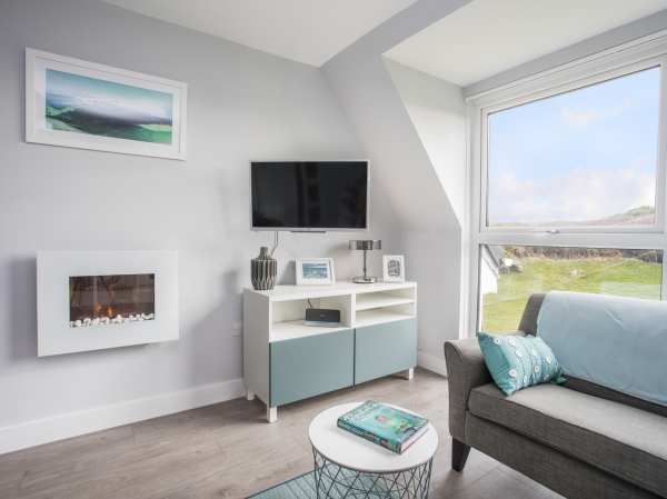 Outstanding Isallt Trearddur Bay Garreg Fawr Self Catering Holiday Short Links Chair Design For Home Short Linksinfo