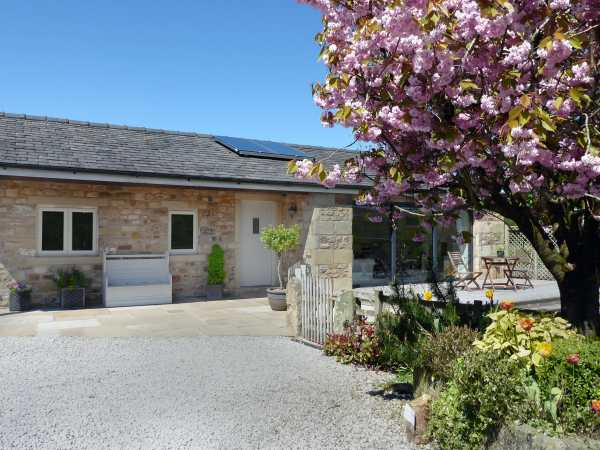 Stone Mouse Cottage | Bolton-by-bowland | Bay Gate