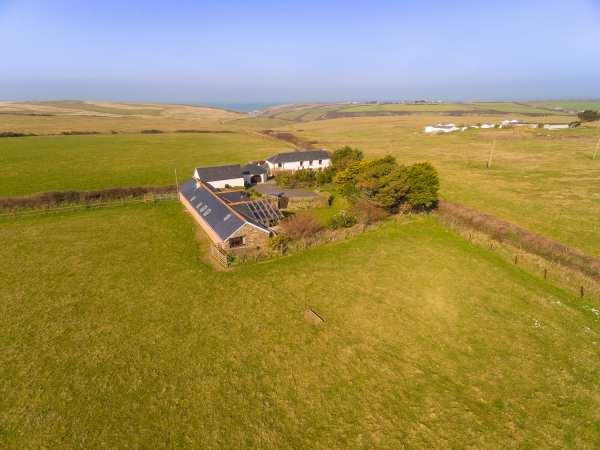 Lewannick Barn photo 1