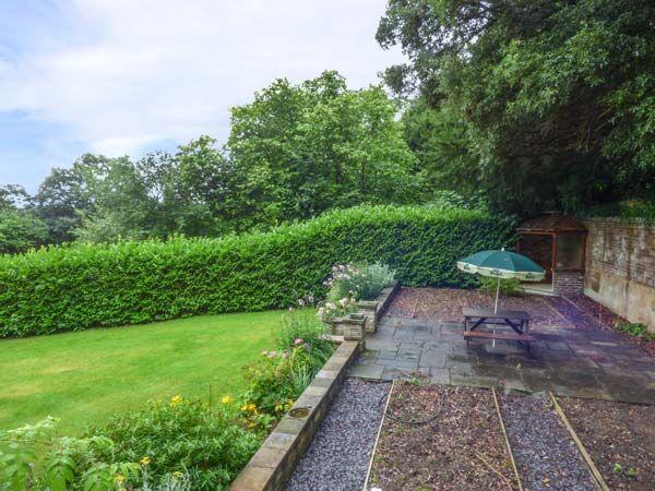 Cedar Gardens | Llanbedr-dyffryn-clwyd | Self Catering Holiday Cottage