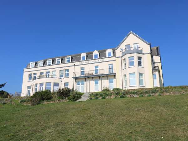 Headland Apt 7 | Coverack | Self Catering Holiday Cottage