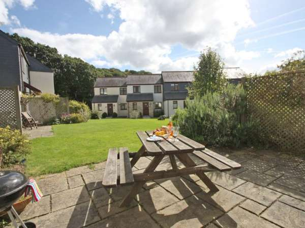Charleston Cottage | Falmouth | Self Catering Holiday Cottage