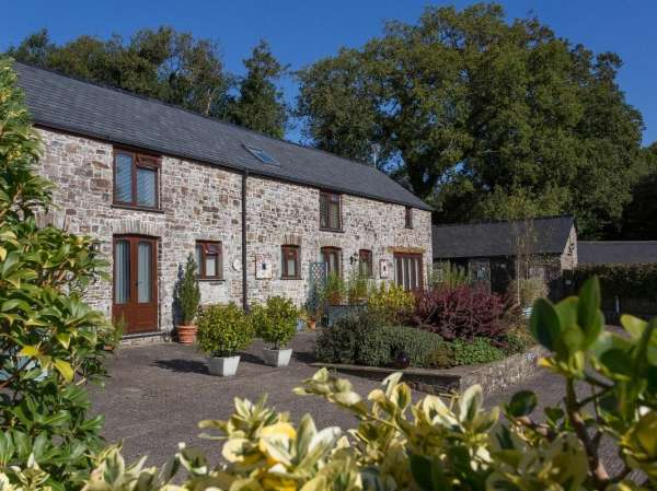 Motte Cottage photo 1