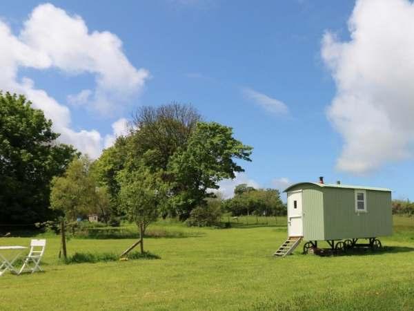Trevoole Shepherd's Hut photo 1