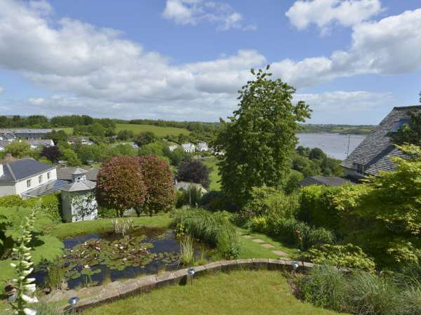 Dove Cottage | Dittisham | Self Catering Holiday Cottage