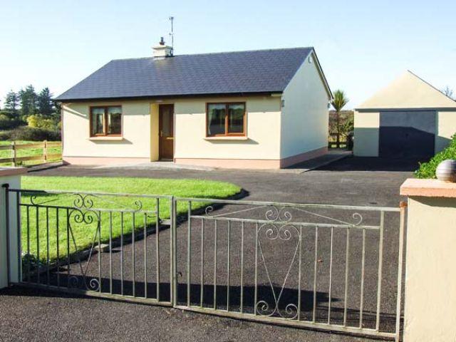 Mullagh Cottage - 917695 - photo 1