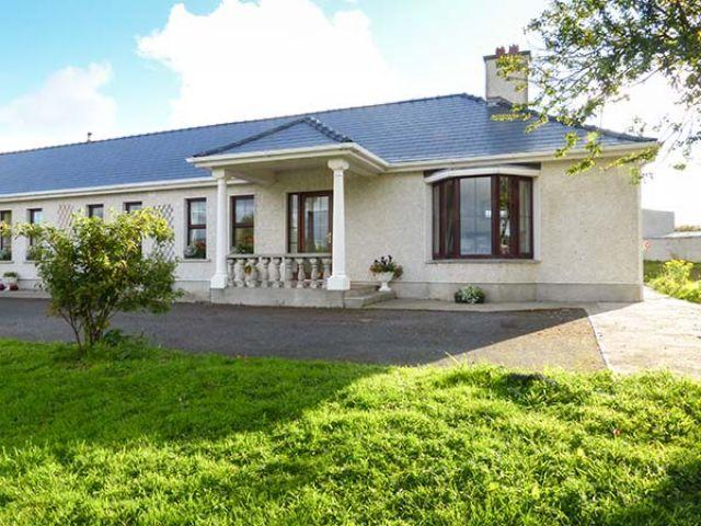 Belladrihid Cottage - 928800 - photo 1