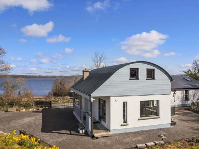 Lakeshore Cottage - 932056 - photo 1