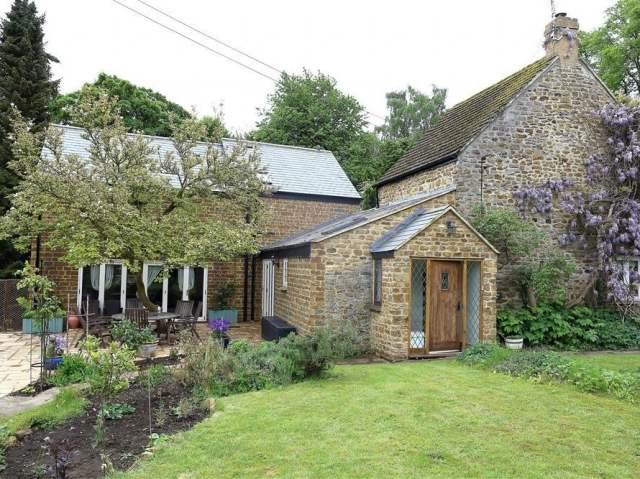 Gladstone Cottage - 988715 - photo 1