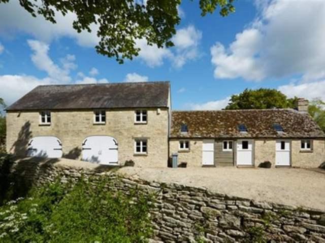 The Coach House, Swinbrook - 988724 - photo 1