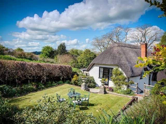 Foley's Cottage - 988922 - photo 1
