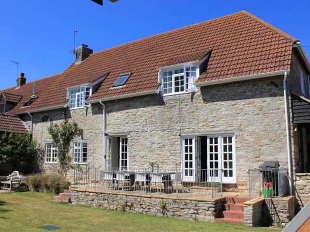 Cobblestone House photo 1