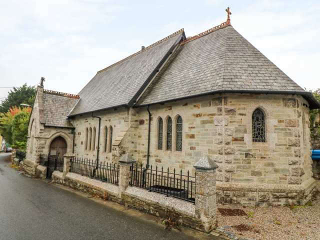 St Saviours Church - 991858 - photo 1