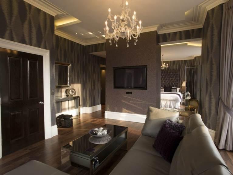 Breck Suite