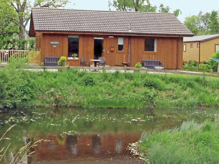 Dukes Pond Lodge