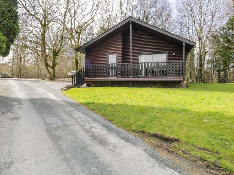 Elm Lodge-Oak