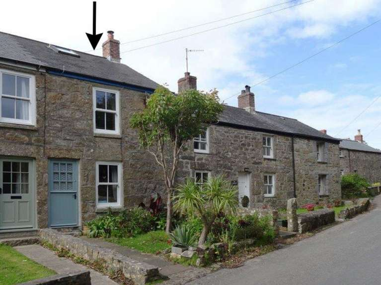 2 The Cottages